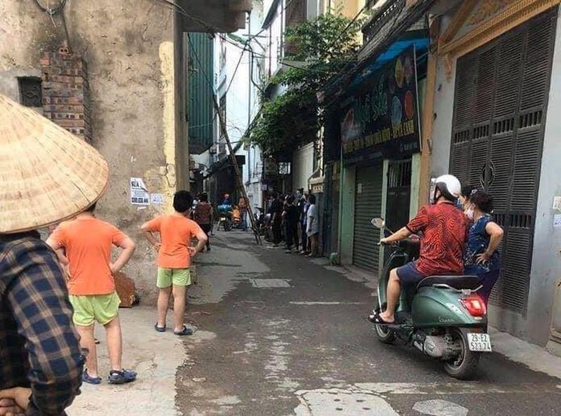 Phát hiện thi thể người đàn ông bốc mùi trong ngôi nhà 2 tầng ở Hà Nội