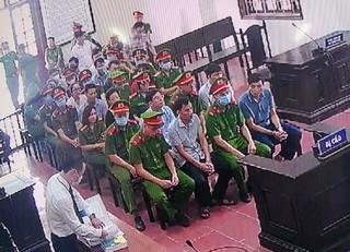Vụ gian lận điểm thi ở Hòa Bình: Xét xử 15 cựu cán bộ giáo dục, công an