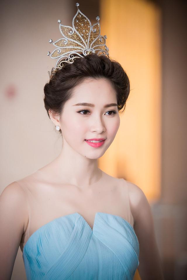 Cuộc sống của loạt Hoa hậu, Á hậu sau khi 'theo chồng bỏ cuộc chơi'