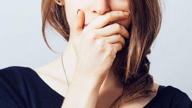 Đánh răng chăm chỉ vẫn hôi miệng, hóa ra nguyên nhân nằm ở bộ phận ít ai ngờ