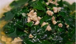 Cách nấu canh rau ngót với thịt lợn nạc – Canh ngon dễ làm