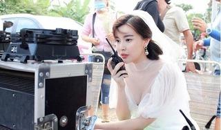 Cao Thái Hà xúc động đến rơi nước mắt khi nhận giải thưởng đầu tiên trong sự nghiệp