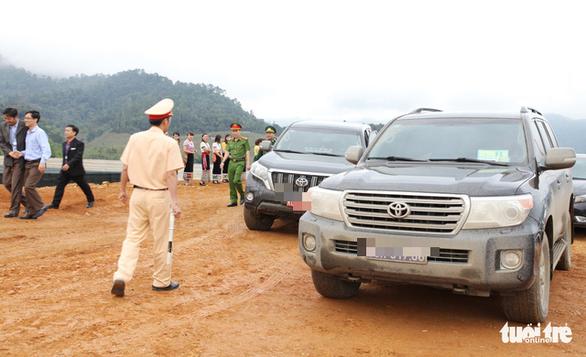 Văn phòng Tỉnh ủy Nghệ An bán đấu giá xe được DN tặng giá 2,2 tỉ đồng