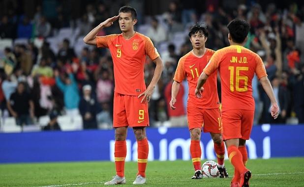 HLV Li Tie tiết lộ cầu thủ nhập tịch phải cạnh tranh