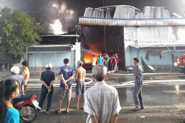 Khởi tố nam công nhân đốt thử gây cháy nhà kho thiệt hại hàng chục tỷ