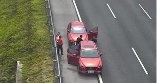 Rủ nhau hút thuốc trên cao tốc, 2 tài xế bị phạt nặng