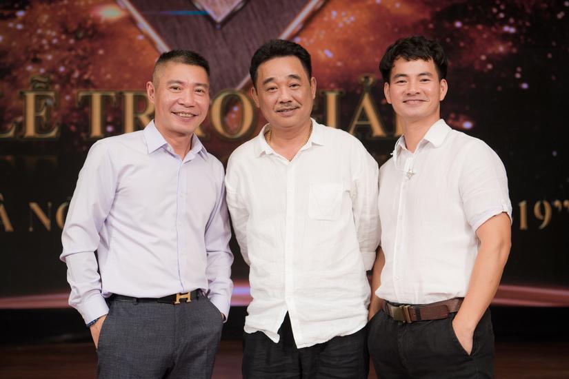 Xuân Bắc, Quốc Khánh đến chúc mừng Công Lý ngày ra mắt chức mới