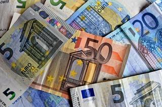 Tỷ giá euro hôm nay 8/9: Sacombank giảm 525 đồng chiều bán ra