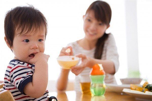 Sai lầm khi nấu cháo của mẹ khiến con ngày càng biếng ăn, còi cọc