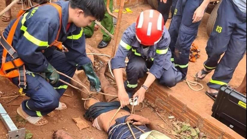 Đang vét giếng thì ngạt khí tử vong, 4 người xuống cứu phải nhập viện