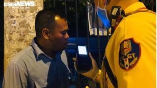 Uống 20 cốc bia, tài xế bị kiểm tra, nộp phạt 35 triệu đồng