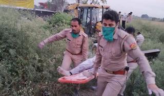 Hiện trường vụ tai nạn xe khách thảm khốc khiến 23 người Ấn Độ thiệt mạng