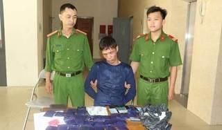 Bắt đối tượng tàng trữ gần 7.000 viên ma túy, thủ súng quân dụng