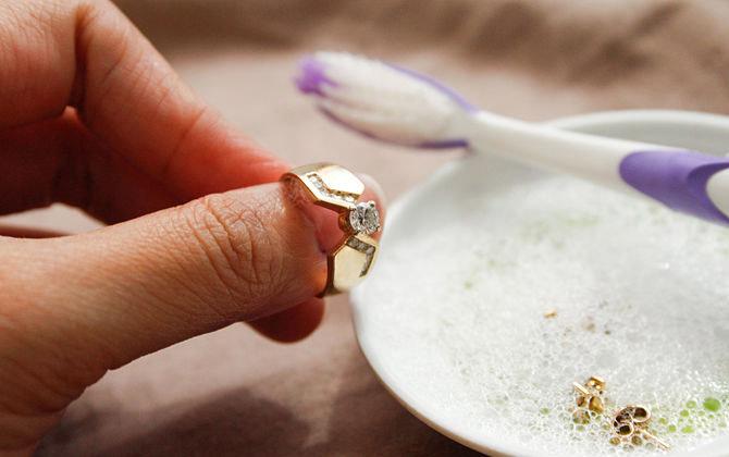 Mẹo giúp trang sức vàng bạc của bạn luôn sáng bóng