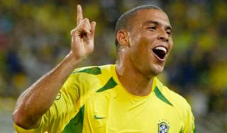 Roberto Carlos: 'Sẽ không bao giờ có một Ronaldo nào khác'