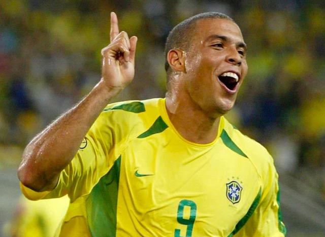 Roberto Carlos cho rằng Ronaldo Brazil xuất sắc hơn C.Ronaldo