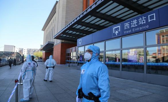 Hơn 100 triệu dân Trung Quốc bị phong tỏa trở lại vì dịch Covid-19