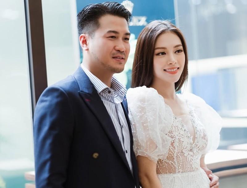 Sau hàn gắn tình cảm, Phillip Nguyễn hàn gắ quà sinh nhật của Linh Rin?