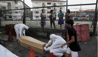 Tăng kỷ lục số ca bệnh mắc Covid-19, Brazil đứng trước nguy cơ 'vỡ trận'
