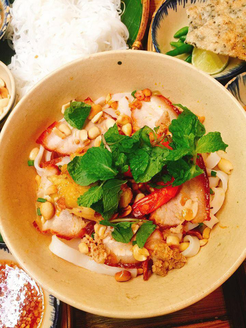 Cận cảnh chất lượng món ăn tại quán cơm mới khai trương của danh hài Trường Giang
