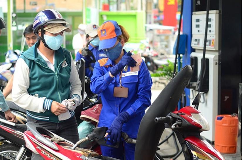 Giá xăng dầu hôm nay 21/5, giá dầu thế giới tiếp tục tăng mạnh