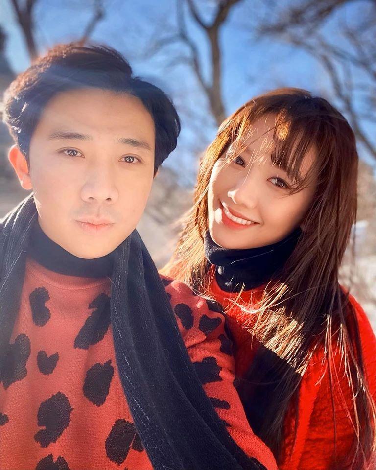Đăng ảnh  tóc bết nhưng fan hâm mộ lại chú ý đặc điểm này của Hari Won