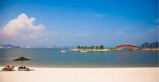 9 học sinh đi tắm, 2 em đuối nước tử vong ở khu vực biển Tuần Châu