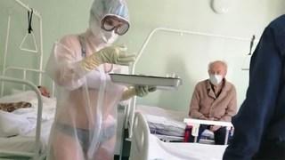 Mặc bikini khi chăm sóc bệnh nhân Covid-19, nữ y tá bị kỷ luật