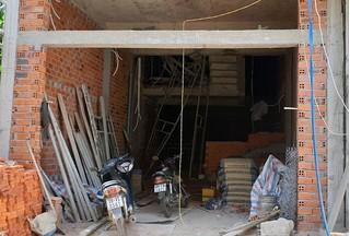 Phú Yên: Sập giàn giáo khi đang trát tường, 4 người bị thương