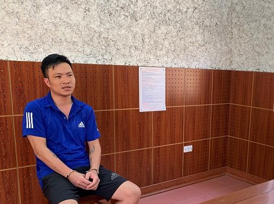 Thanh niên ở Lạng Sơn ngồi uống nước với người lạ rồi hành hung 1 người thương tích