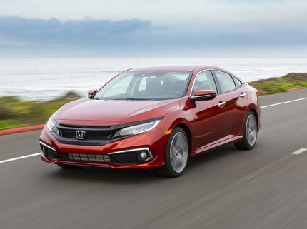 Honda Civic xả kho, đe dọa vị trí của Mazda 3, Kia Cerato