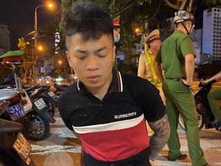 Thanh niên 'ngáo đá' chạy xe lạng lách, đánh võng, thách thức lực lượng 911