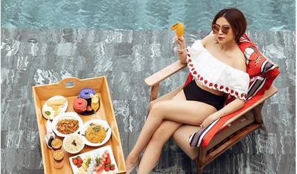 Hoàng Thùy Linh chào hè bằng loạt ảnh gợi cảm giữa hồ bơi
