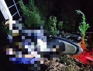 Tông xe máy vào cột hàng rào bên đường, 2 thiếu niên tử vong trong đêm
