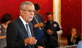 Tổng thống Áo xin lỗi vì ngồi ăn ở nhà hàng, vi phạm giãn cách xã hội