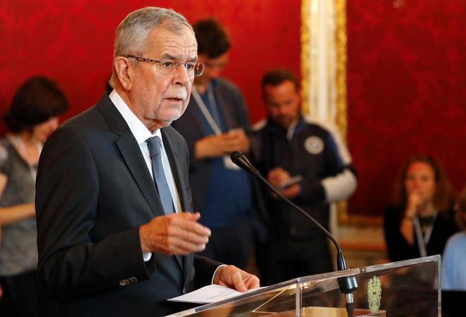Tổng thống Áo xin lỗi vì ngồi ăn ở nhà hàng vi phạm giãn cách xã hội