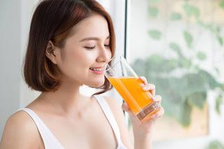 7 loại nước uống từ hoa quả giúp trắng da tự nhiên
