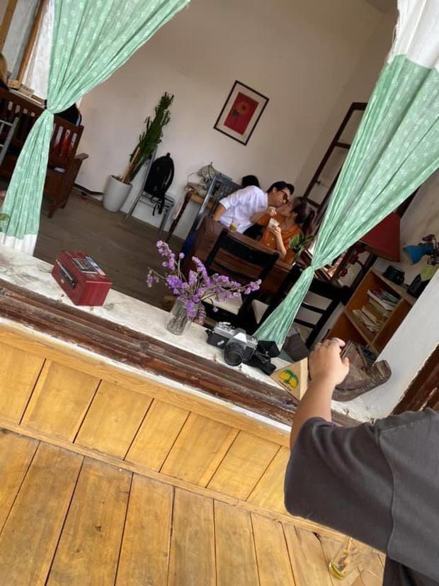 Giữa nghi vấn hẹn hò, Xuân Nghi vui vẻ dùng bữa cùng gia đình Trần Vân