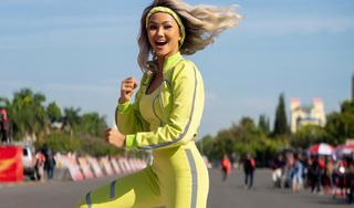 Hoa hậu H'Hen Niê cực ngầu 'đại náo' đường đua xe