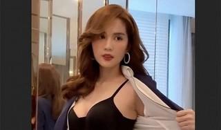 Ngọc Trinh cởi áo khoe body nóng bỏng dằn mặt anti-fan