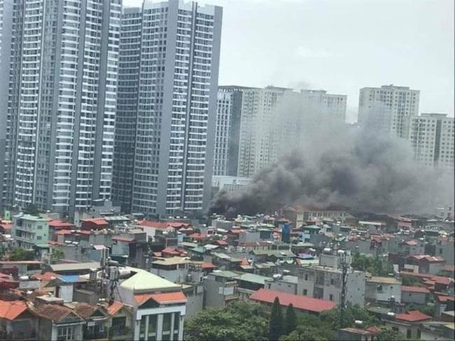 Hà Nội: Đã dập tắt đám cháy tại khu nhà tạm ở Hoàng Mai