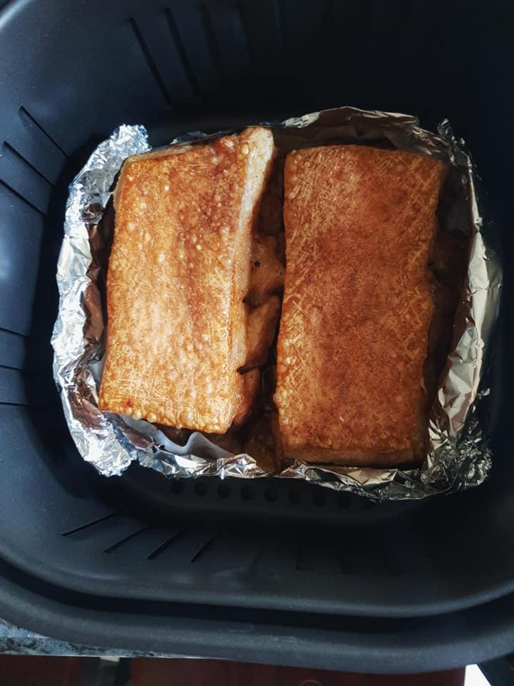 Cách làm thịt quay giòn bì bằng nồi chiên không dầu cực đơn giản 1