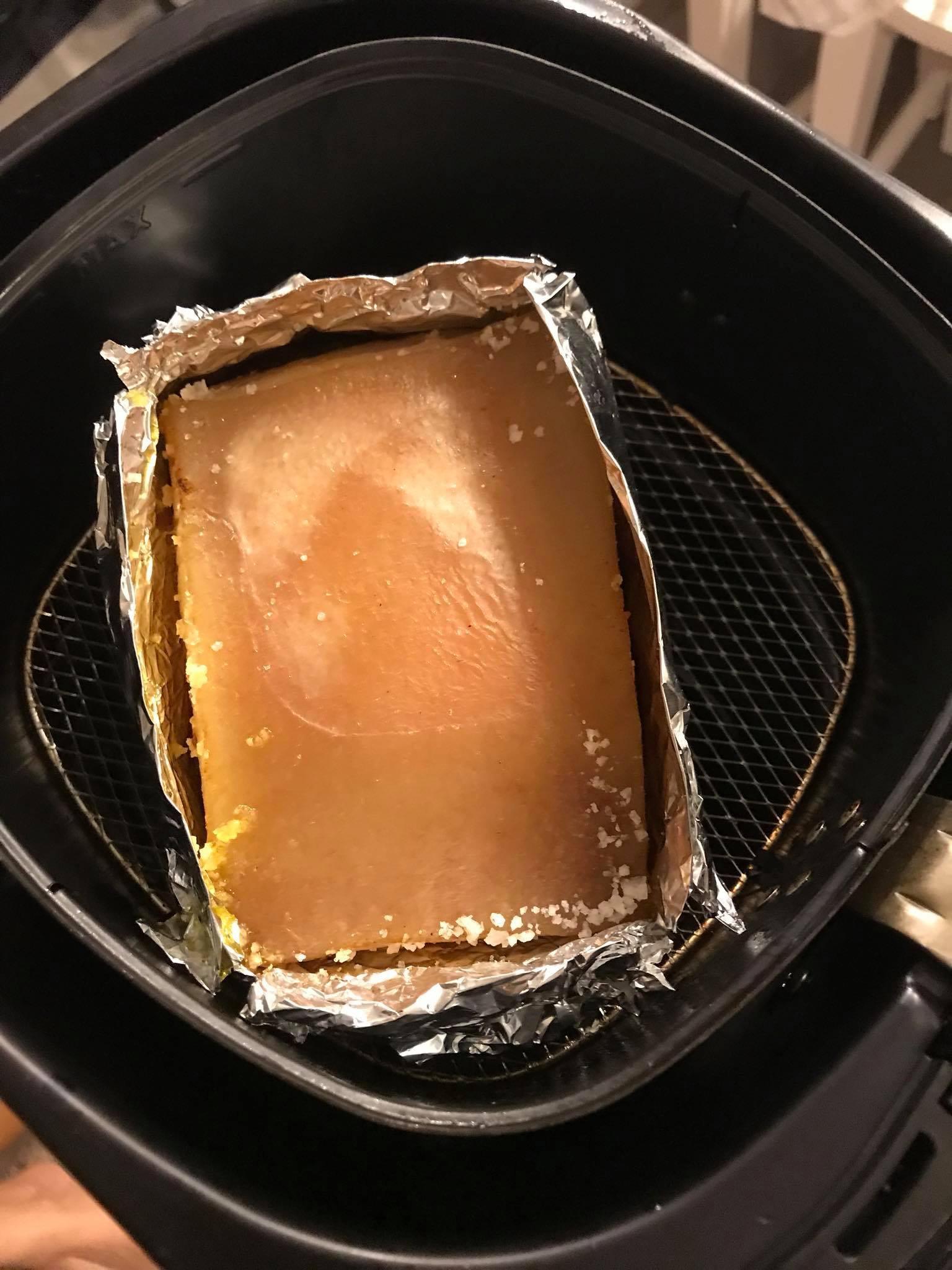 Cách làm thịt quay giòn bì bằng nồi chiên không dầu cực đơn giản 2