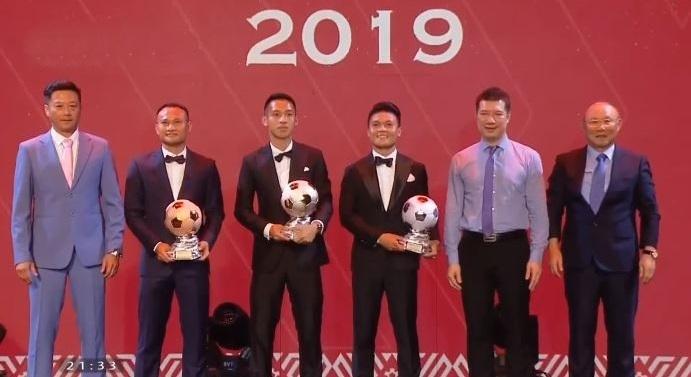 Đỗ Hùng Dũng giành danh hiệu Quả bóng Vàng Việt Nam 2019