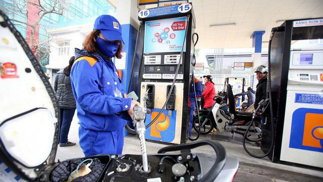 Giá xăng tăng hơn 1.000 đồng/lít vào ngày mai