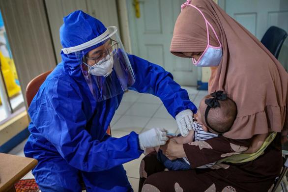 Hơn 140 trẻ em Indonesia chết vì Covid-19