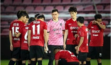 Đặng Văn Lâm đón niềm vui bất ngờ từ Muangthong United
