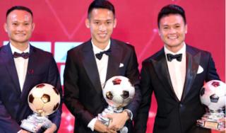 Đỗ Hùng Dũng thắng áp đảo Quang Hải ở giải thưởng QBV Việt Nam