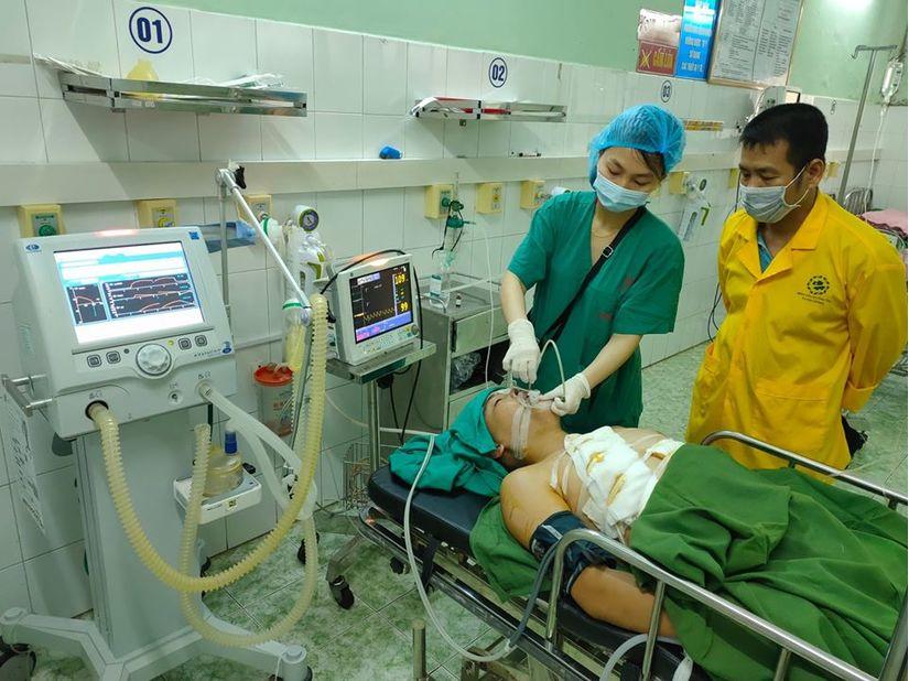 Tuyên Quang: Cứu sống người đàn ông bị dao chém rách phổi