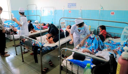 Tin tức trong ngày 29/5, 135 học sinh tiểu học nhập viện sau khi ăn bánh mì từ thiện tại trường